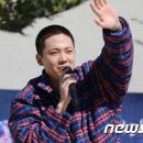 02-300919-news-photos-hongki-depart-a-l-armee