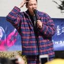 04-300919-news-photos-hongki-depart-a-l-armee