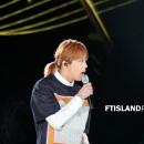 02-010913-photos-ft-island-hongki-korean-music-wave-incheon-2013