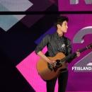 35-010913-photos-ft-island-seunghyun-korean-music-wave-incheon-2013