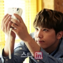 07-photos-hongki-interview-star-in-passionate-goodbye-special