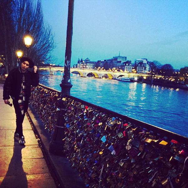 140115 jonghun instagram paris 4